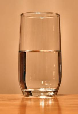 273px-Glass-of-water.jpg