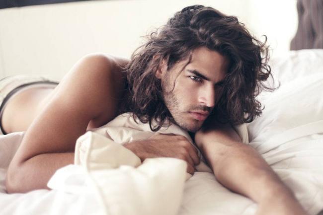 long-hair-male-model-1-900x600.jpg