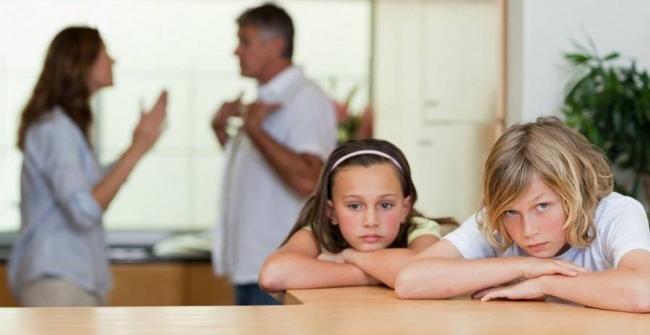 Как-пережить-развод-с-мужем.-Не-стоит-манипулировать-детьми.jpg