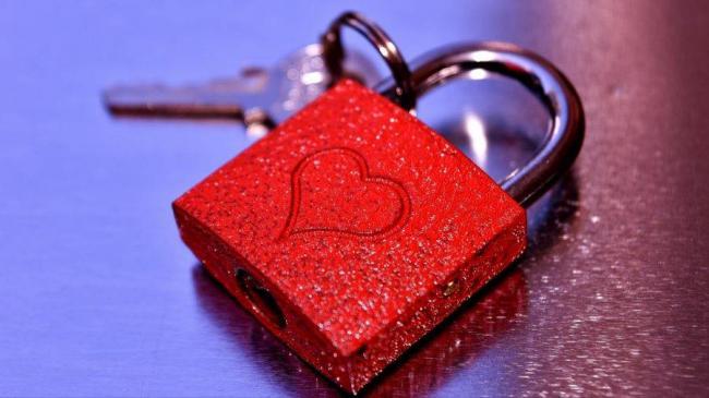 lock_heart_love_116319_1920x1080-900x506.jpg