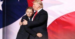 «Первый мальчик Америки»: 15 интересных фактов о Бэрроне Трампе